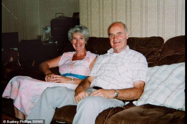 Μετά από 64 χρόνια γάμου έμαθε ότι ο άντρας της ήταν μυστικός πράκτορας! - Περίεργα-Funny