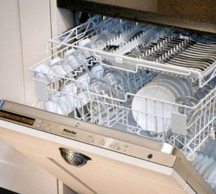 Το γνώριζες; Γιατί πρέπει να βάζεις πάντα ένα μπολ με ξίδι στο πλυντήριο πιάτων - Περίεργα-Funny