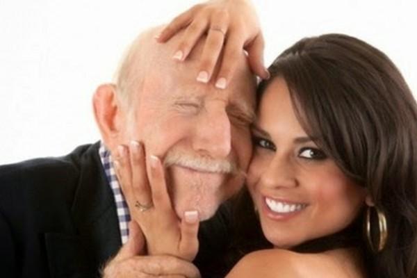 Ο παππούς με το Πάρκινσον στον οίκο ανοχής: Το σόκιν ανέκδοτο της ημέρας (19/9) - Funny-Περίεργα